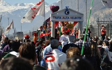 25 febbraio 2012 in Val Susa 70.000 NO TAV